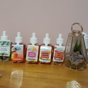 Bath&Body Works wallflower with 5 home refill